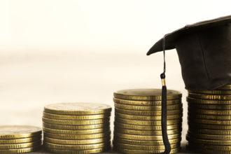 Mantenimento al figlio maggiorenne anche se vince un dottorato?